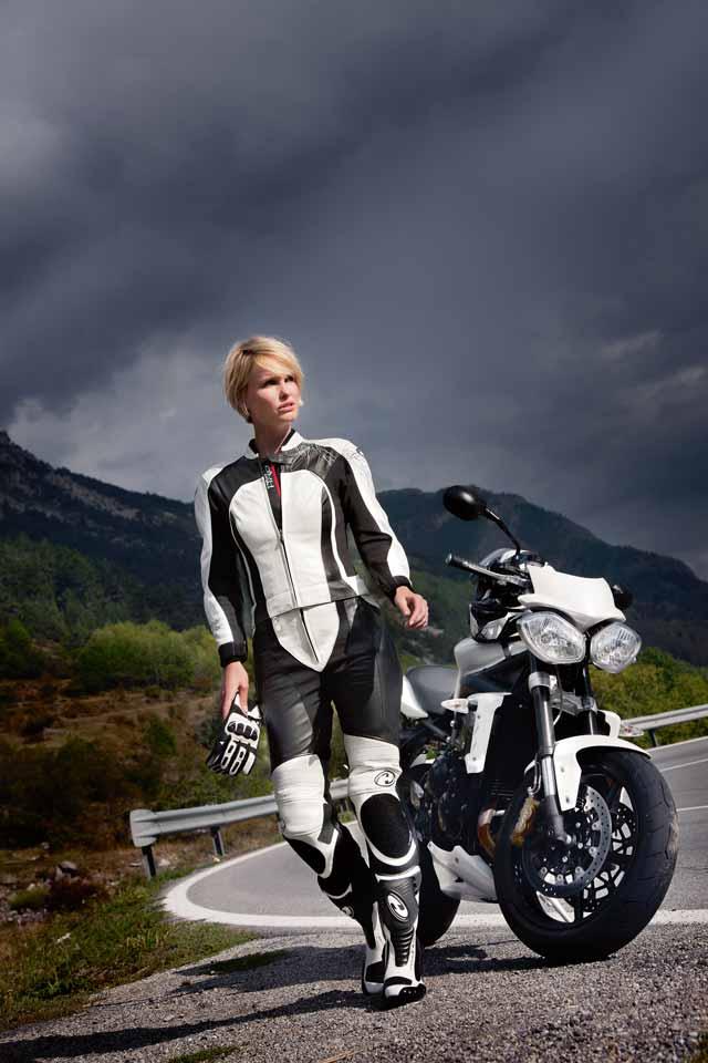 Motorradbekleidung: Ein heisser Look macht sexy   Biker