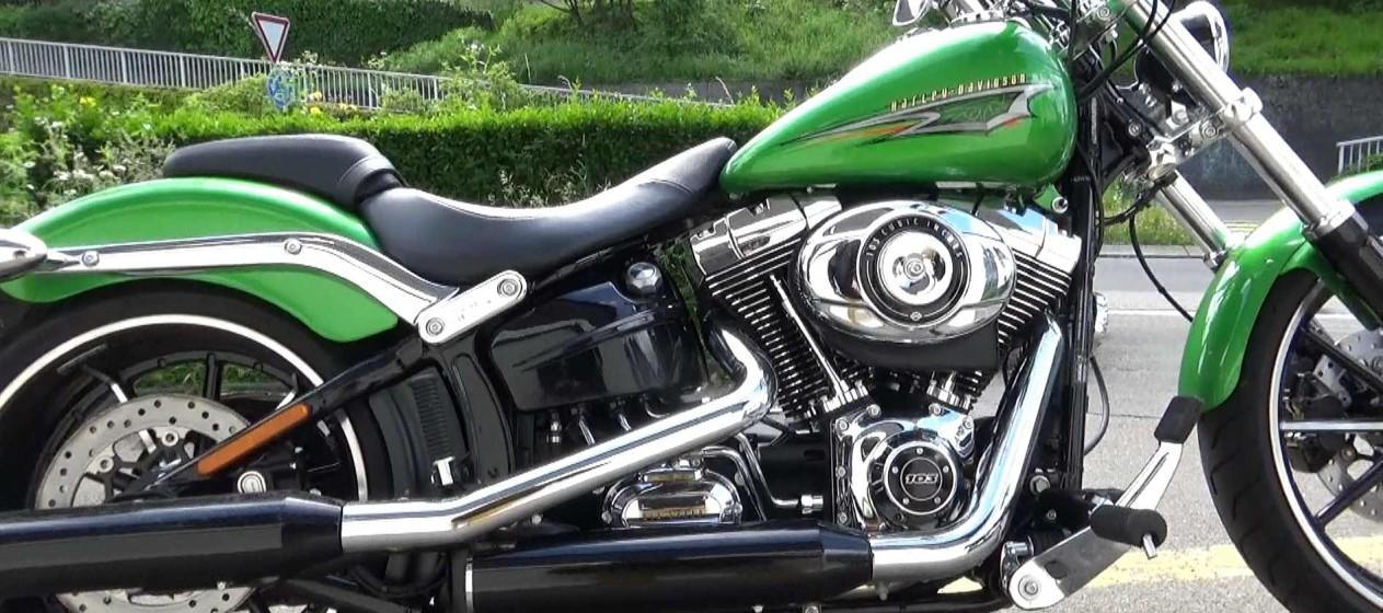 Harley-Davidson Breakout, Test, Ansicht von der rechten Seite